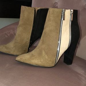 Tri-colored high heeled Boots